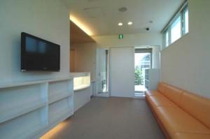 ニコ小児歯科医院待合室1